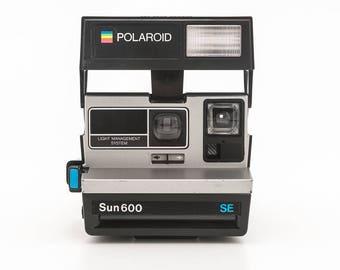 Polaroid Sun 600 SE Instant Film Camera - Tested - Working vintage 80s Polaroid Originals 600