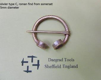 roman penannular brooch in copper fowler type C 35mm internal diameter