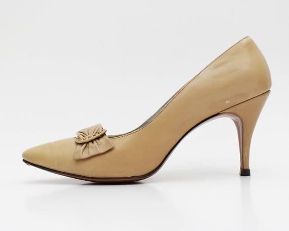 Tan Leather Pumps - Palizzio Size 6 Stiletto High Heels - Vintage 1960s Ladies Shoes