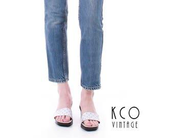 90s CHANEL Flats White Leather Slides White Sandals CC Logo Wood Sandals Minimalist Flats Vintage Shoes Women's Size US 8 / Uk 6 / Eur 38