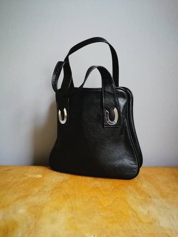 Vintage MOD handbag // quality black leather vintage purse with silver horseshoe details // 70s black hand held bag // retro leather purse