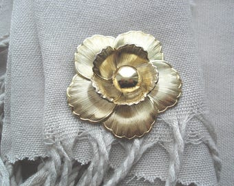 Vintage Scarf Clip, Vintage Gold Clip, Floral Scarf Clip, Gold Scarf Clip, Gold Floral Clip, Accessories, Gift Ideas, Gifts for Women,