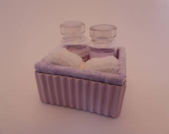 1/12 escala hechos a mano lila caja de toallas y baño de espuma para baño/de la tienda de casa de muñecas - los contenidos son extraíbles