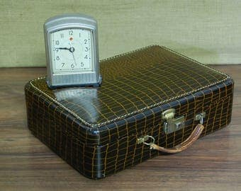 Vintage Pla-Mate Train Case, vanity case, luggage, suitcase, faux alligator, original mirror, leather handle, brass latches, yellow interior