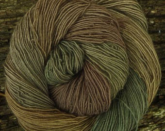 Pure MERINO SINGLES. 'DRAB!' 200 gms available, wool 4ply weight/ fingering, 100 gms 400 mts Mollycoddle Yarns, hand dyed, indie dyer