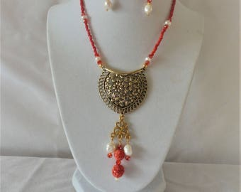 Fashion Statement Carved Coral Round Flowers Pendant Necklace Set***.