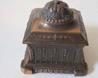 Ornate Inkwell with hinged lid and glass insert - Vintage - Ink Well -