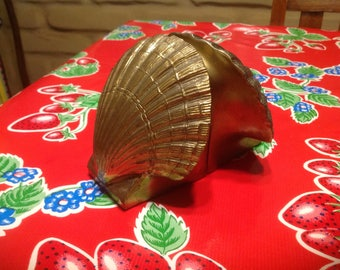 Vintage pair of hand cast brass scallop shell bookends- PM Philadelphia