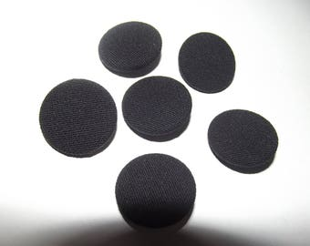 12 buttons 25mm in diameter, covered with black fabric, 3mm thick