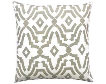 CHEVELLE Cushion cover 50 x 50 cm graphically geometric white sand ecru