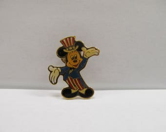 Vintage Walt Disney Mickey Mouse Pin 1989 W #666