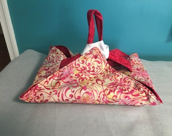 Reversible Insulated Fabric Casserole Carrier Red Batik/ Red and Yellow Batik