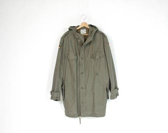 SALE! 1989 Olive green army parka jacket with hood / size XL