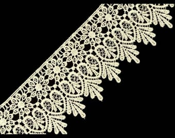 Guipure lace ivory 70 mm