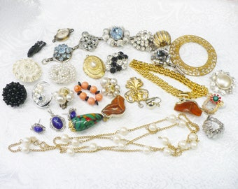 DESTASH Lot of Vintage Jewelry  - Multi Color - Mixed metals - silver gold tone - vintage pearl rhinestone - upcycle - faux pearls - chain