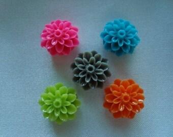 5 resin flower cabochons