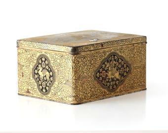 Vintage tin box oriental pattern old box with lid