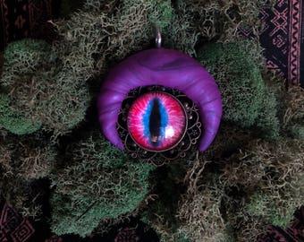 Moon eye pendant