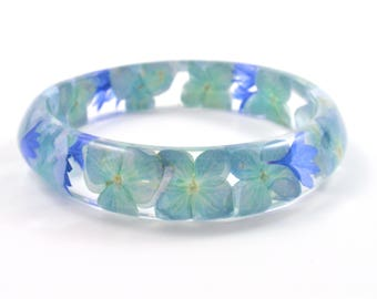 Blue flower Resin Bracelet, Real Flower Resin Bracelet, Pressed flower, Flower bangle, Botanical jewelry, Chunky bangle, Blue bracelet
