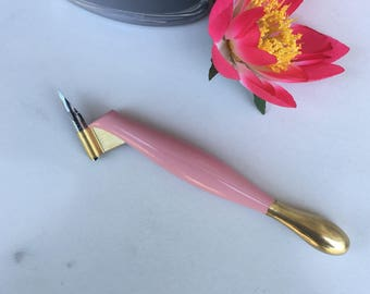 Oblique pen holder for calligraphy, handpainted in pink and gold decor, with flexible brass flange perfect for NikkoG and other nibs