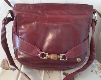 Vintage leather bag in burgundy leather