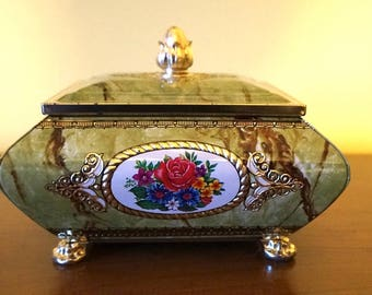 """Candy/Toffey/Cookie Tin with Tid; Approx. 7'L x 5.5""""w x 4""""h; Very Nice !!!"""