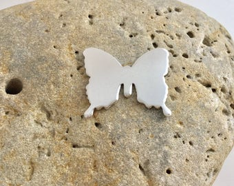 Aluminium metal butterfly blanks cut from 1.5mm aluminium sheet. Ideal for hand stamping.