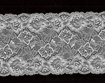 REF 1030 - Lace of CALAIS stretch flowers ivory Pearlescent Ivory pearlescent white stretch Lace Trim 16 cm
