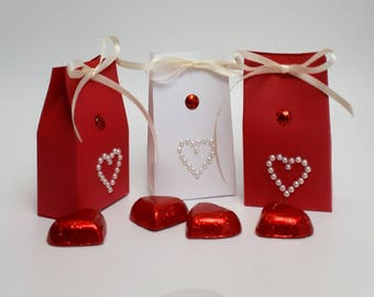 Valentines day gift, gift boxes, red and white favors, party favour boxes, bridal shower favors, hen party favours, wedding favours