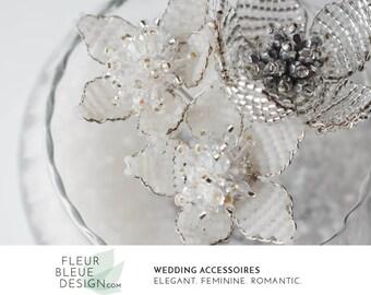 Brautschmuck haare blumen perlen  Braut Haarschmuck Hochzeit Accessoires von FleurBleueDesign