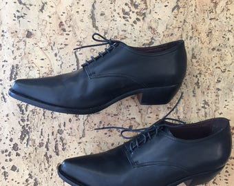 Black leather pointed shoes with laces Western style Santiags cuban heel Silvy vintage dead stock 1980 / 39 40 IT