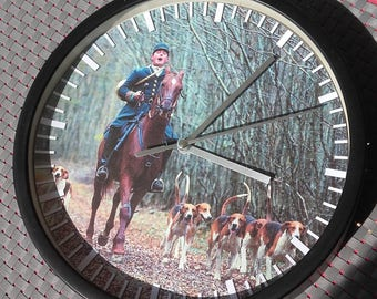 clock wall pattern hunting rider on horse and his Pack