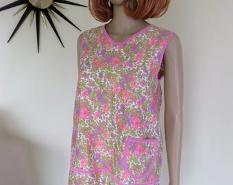 Cutest vintage 60s pinny apron - pink purple green + white floral fabric