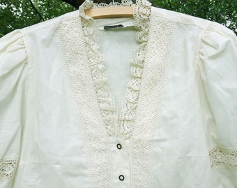 Vintage women cream shirt blouse with lace size 44