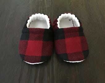 Red buffalo plaid booties // red buffalo plaid crib shoes