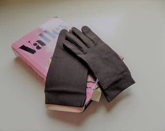 60s Brown Gloves, New Old Stock, NWT, Hands Beautiful by Aris, Chocolate Brown, Stretch, Ladies Gloves, Mint, New, 1960s, Womens Gloves