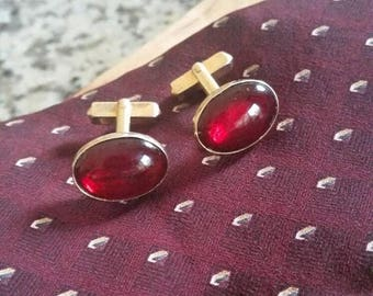 Summer Sale Vintage Swank Oval Red Glass and Gold Tone Swank Cuff Links