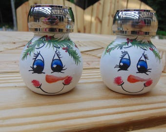 snowman glass salt and pepper shakers