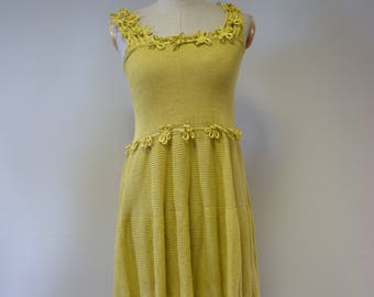 The hot price. Summer girlish yellow linen dress, S size.