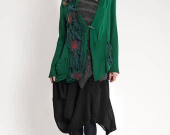 The hot price. Boho green  cardigan with amazing felted decoration, L size. Made of soft cotton.