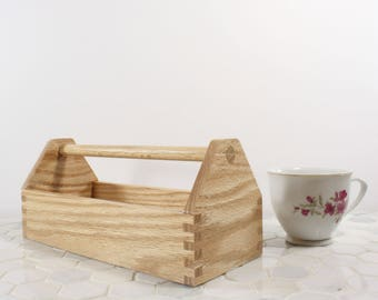 tiny tool box, oak office accesory, executive office organizer, tea box, craft supply box, part storage box, pen box, pencil box, oak box