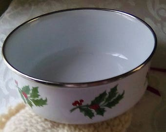 Vintage Enamel Holiday Bowl, White with Holly and Berries, Green Stripe with Platinum Rim. Very Good Condition