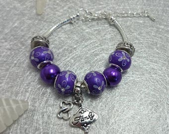 "Bracelet charm's Purple with various beads and charm ""family"" ref 393"
