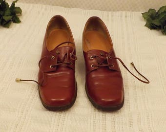 Vintage Etienne Aigner Maroon Lace Up Derby Shoes Size 7