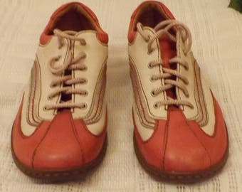 Vintage Born Hand Crafted Women's Casual Sport Shoes Size 7.5