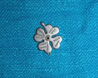 Silver lucky clover 25 x 31 mmillimetres
