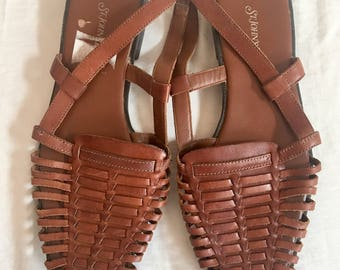 Huaraches brown leather flat sandals / women's size US 9 / free shipping