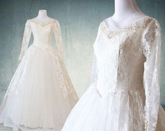 1950s Tulle and Lace Wedding Gown with Sleeves