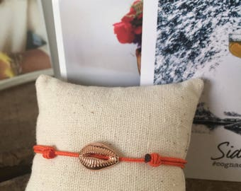 Rose gold plated bracelet with core on braid