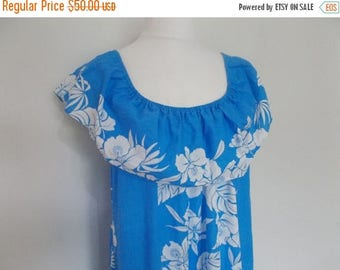 summer sale Vintage Hawaiian dress by Helena's blue hibiscus floral dress made in Hawaii size extra large XXL